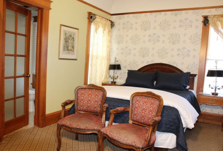 Queen Room & One Twin Bed