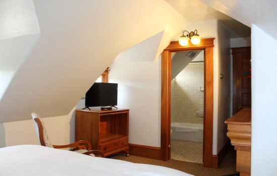 Pacific Grove Inn - King Bed